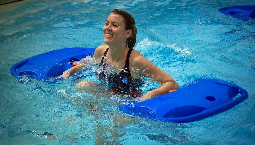 Accessoires gym piscine for Accessoires piscine 01