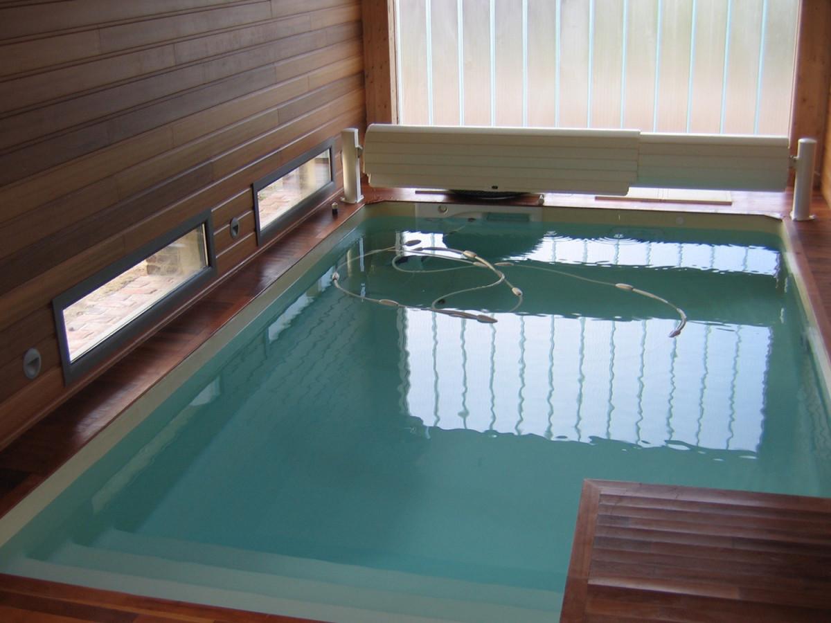 piscine intérieure 76