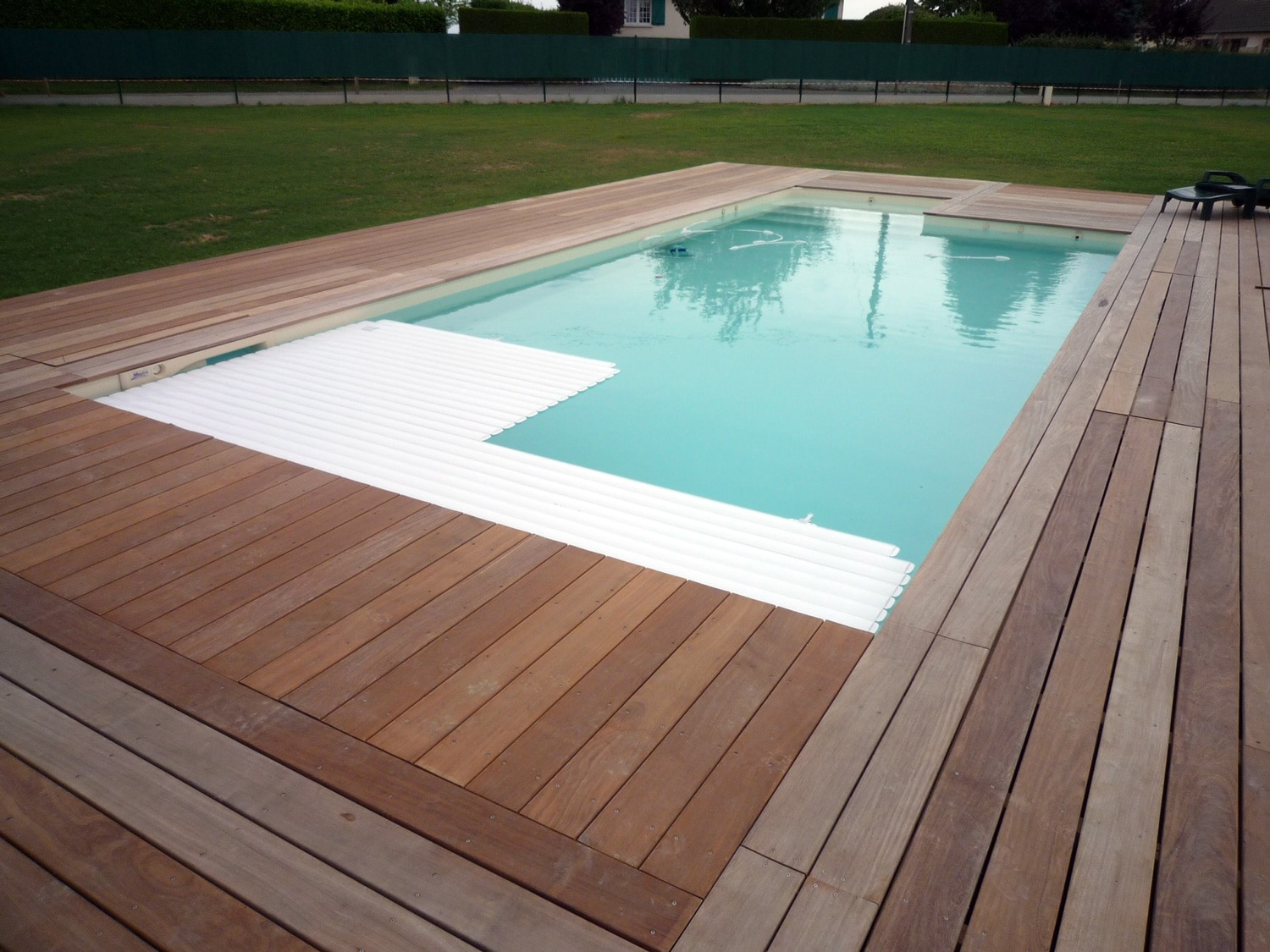 Jardin passions conception de piscines traditionnelles for Combler une piscine